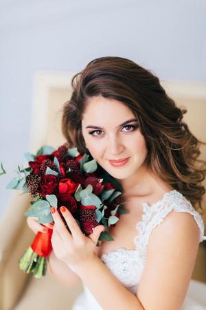 Фото №4 - Визажист показала, как выглядят невесты до и после макияжа