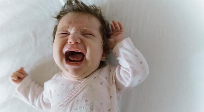 Почему нельзя игнорировать плач ребенка