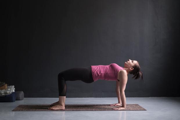 йога асаны на пресс для пресса и талии для начинающих в домашних условиях