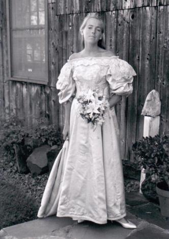 Фото №13 - Кружева истории: самые старые свадебные платья в мире