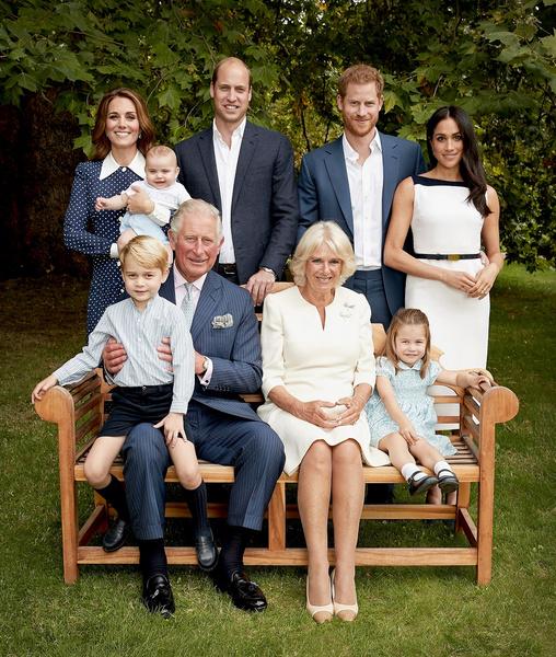 Фото №4 - Никаких селфи и еще 15 запретов королевской семьи