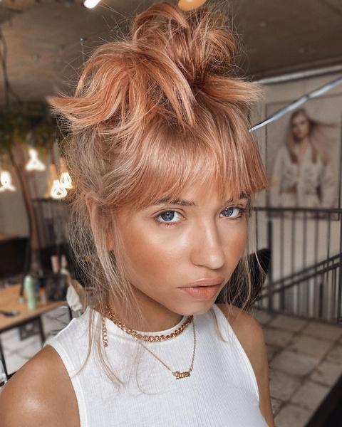 Фото №8 - Клубничный блонд: идеальный оттенок волос для тех, кто не может выбрать между розовым и рыжим