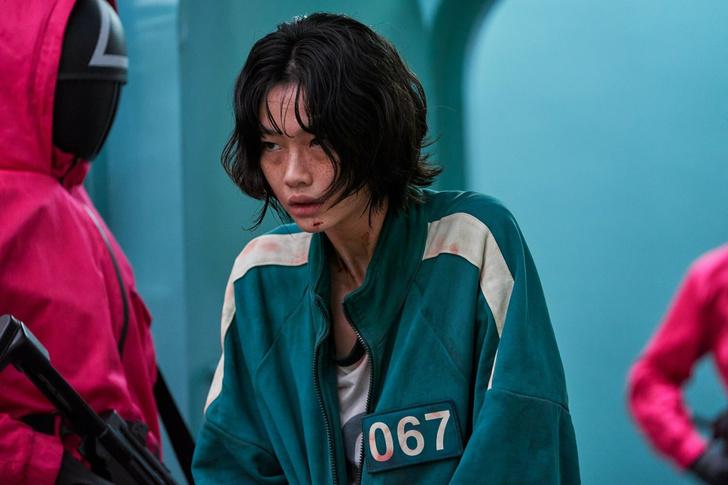 Фото №3 - «Я просто хочу смело двигаться вперед и познавать мир»: Чон Хо Ён из «Игры в кальмара» рассказала о своем актерском дебюте