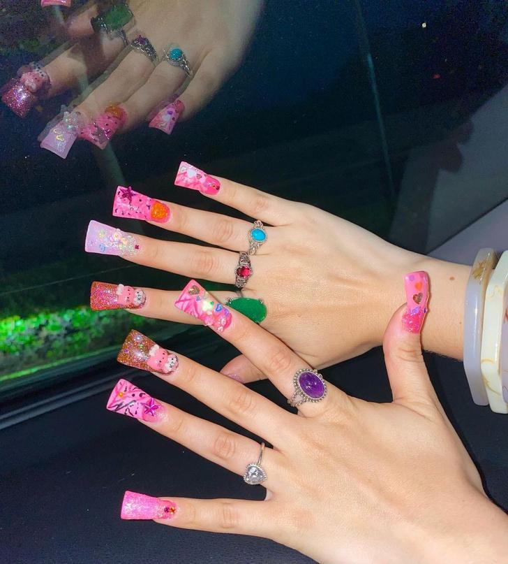 Фото №2 - Duck nails: забавный маникюр в форме утиных лапок для самых смелых