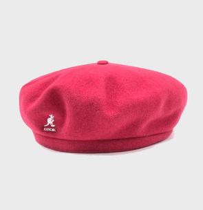 Фото №3 - ТЕСТ: Выбери шапку и узнай, кто ты из сериала