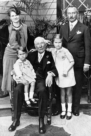 Фото №1 - Фамильное богатство: 5 семей, которые управляют миром