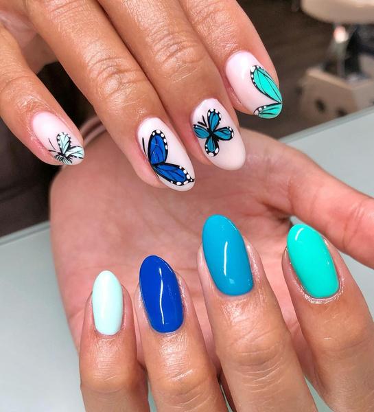 Фото №5 - Маникюр с бабочками— самый креативный и стильный бьюти-тренд этой осени из Инстаграма 🦋