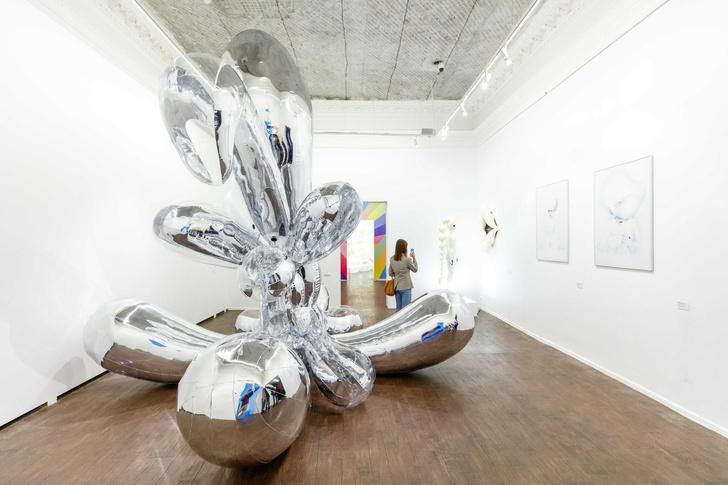 Фото №1 - Исследование телесности и любви на выставке Саши Фроловой в ММОМА