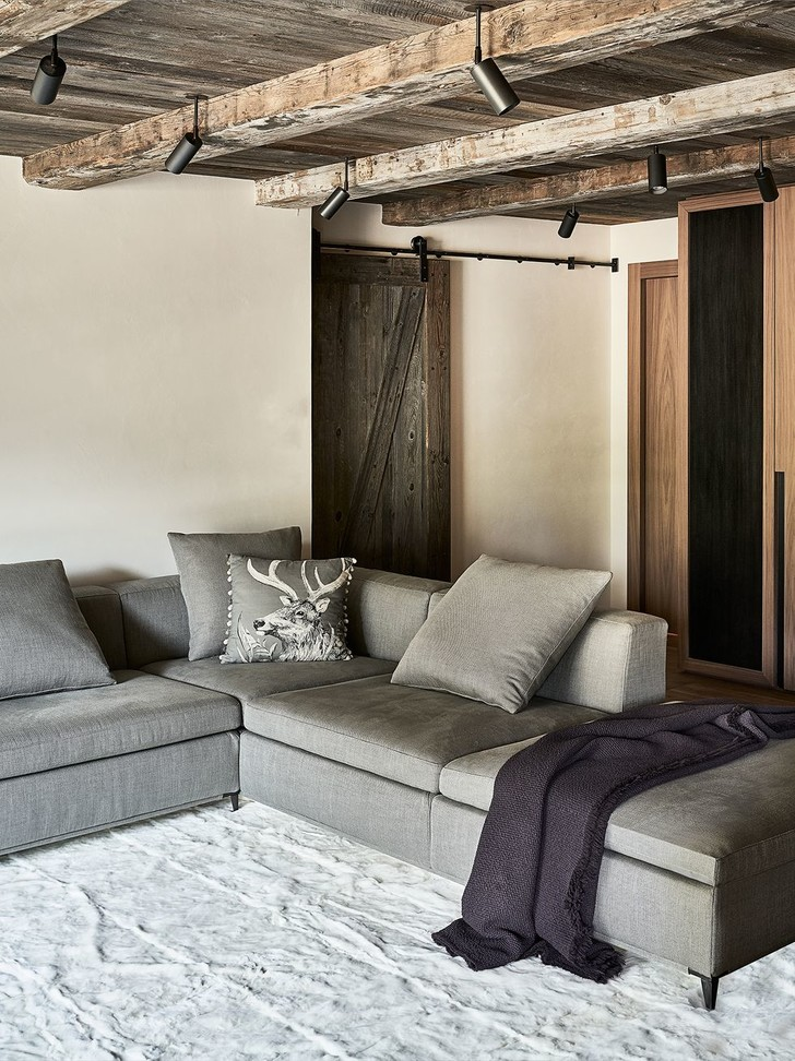 Фото №2 - Современное альпийское шале в оттенках серого