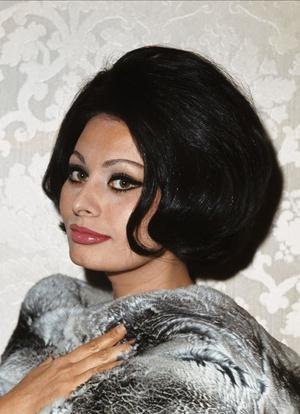 Фото №6 - Стрижки как у Хепберн, Бардо и других кинодив 60-х, которые мы снова будем носить