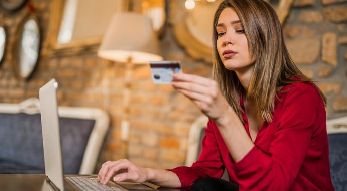Предновогодний шопинг: как нас обманывают интернет-магазины