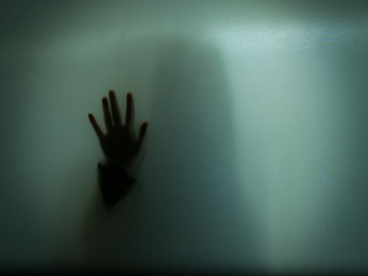 Фото №1 - #БьетНеЗначитЛюбит: в России запустили флешмоб в поддержку женщин, пострадавших от домашнего насилия
