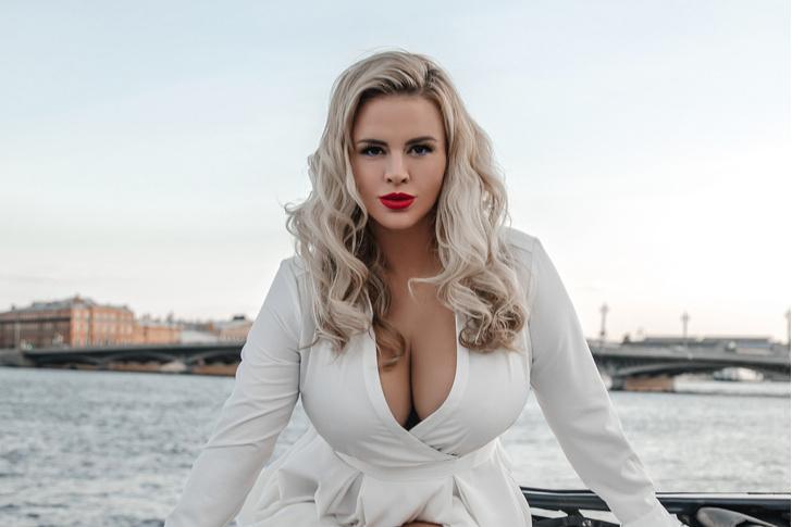 Фото №1 - Ученые нашли ответ на вопрос, в какой стране у женщин самая большая грудь!
