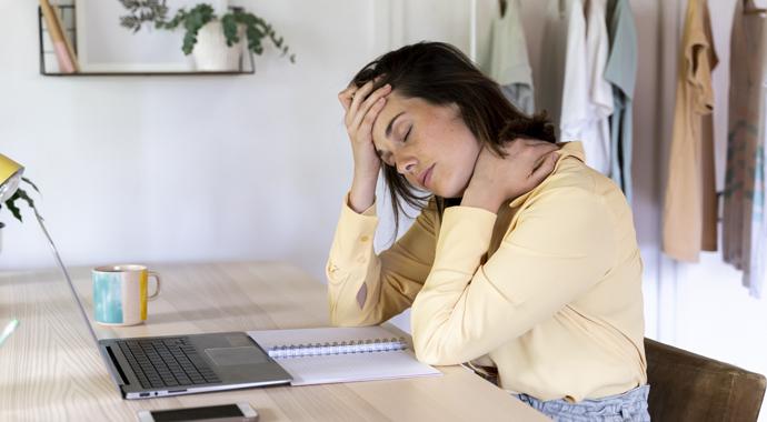 Артериальное давление: почему оно поднимается и как себе помочь