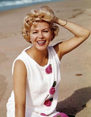 Фото №8 - Стрижки как у Хепберн, Бардо и других кинодив 60-х, которые мы снова будем носить