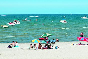 Фото №7 - 10 пляжей, где можно роскошно отдохнуть
