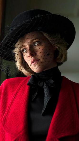 Фото №4 - Подражая Диане: наряды Кристен Стюарт в роли принцессы Уэльской