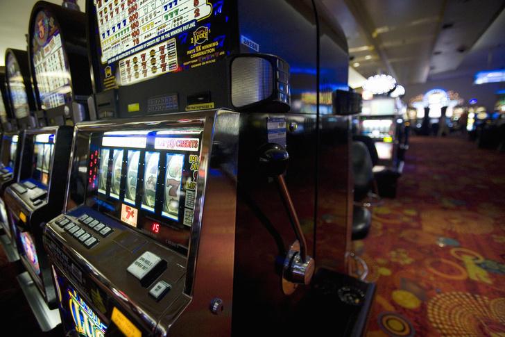 Фото №1 - 7 эпичных проигрышей в карты и казино