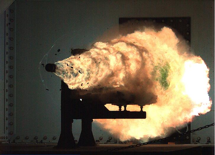 Фото №1 - Плащ-невидимка и другое оружие ближайшего будущего (видео)