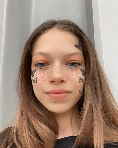 Фото №4 - 10-летняя Сара Киперман повторила стильный мейк своей мамы Веры Брежневой