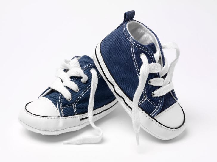 как выбрать первую детскую обувь
