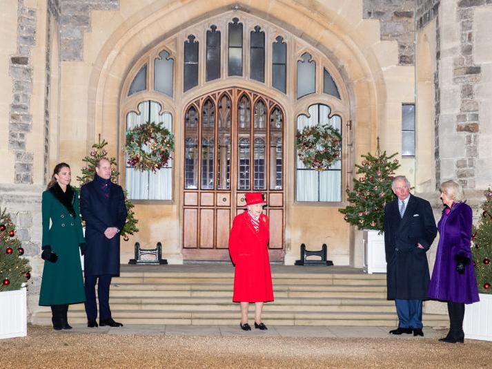Фото №3 - Слова надежды: о чем Королева говорила в своей ежегодной речи (и какую традицию она нарушила)