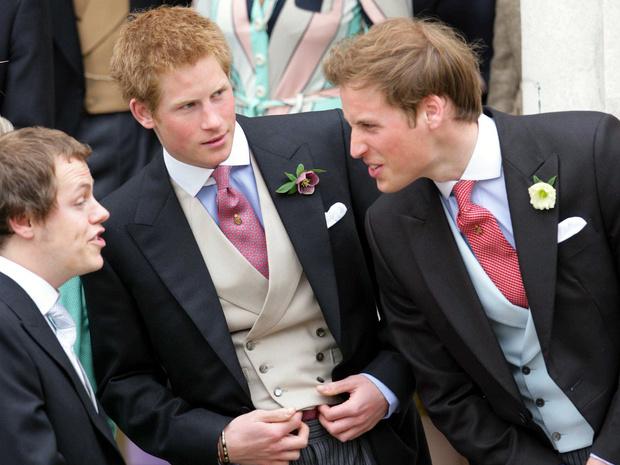 Фото №16 - 15 трогательных фото, доказывающих, что Уильям и Гарри были действительно близки