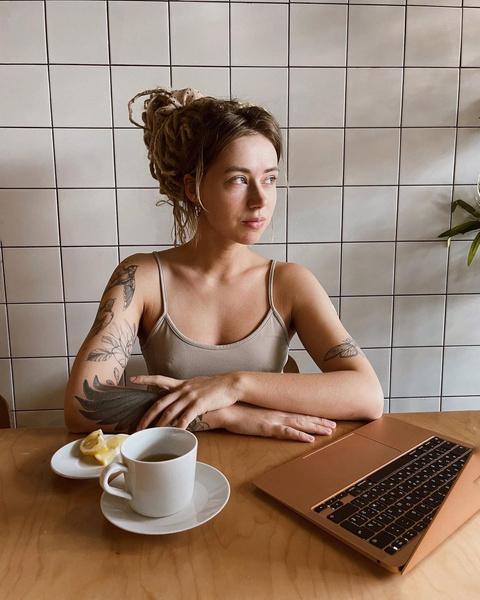 Фото №2 - Почему быть блогером— на самом делеполный отстой