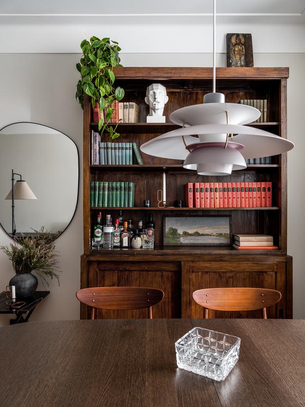 Фото №3 - Квартира с винтажной и дизайнерской мебелью в сталинке