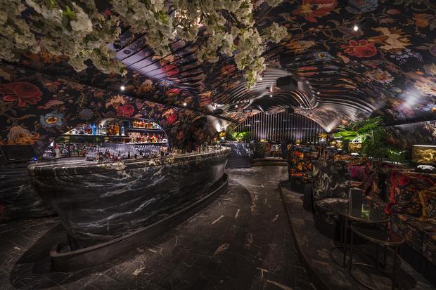Фото №1 - Ночной клуб Sechser в Вене