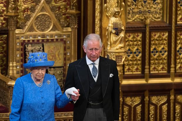 Фото №2 - 72-летний Чарльз взял на себя обязанности Филиппа и готовится стать королем