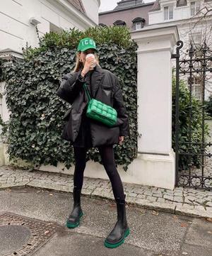 Фото №30 - Как носить ярко-зеленый цвет— самый модный в этом сезоне