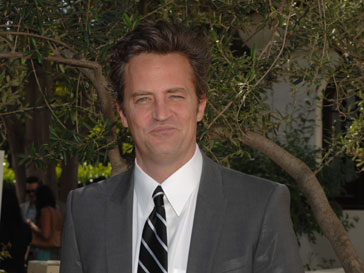 Мэтью Перри (Matthew Perry) лишился работы в сериале