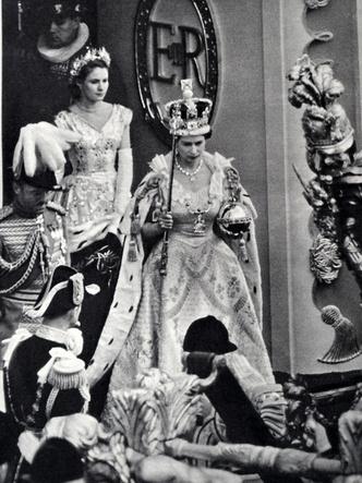 Фото №4 - 9 событий, которые навсегда изменили жизнь британской королевской семьи