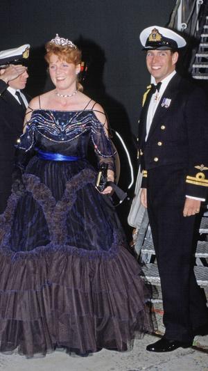Фото №10 - Особая стать: самые эффектные выходы Сары Фергюсон в ее любимой тиаре