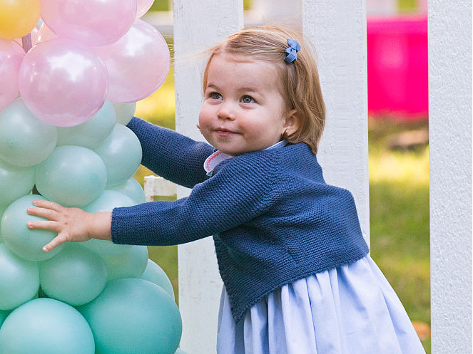 Фото №3 - Дебют на публике: какими были первые слова королевских малышей