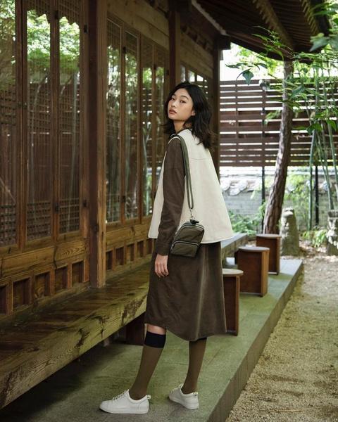 Фото №3 - Стеганые куртки, гольфы и свитеры с замком— тренды осени и зимы 2021-2022, которые носит Чон Хо Ён