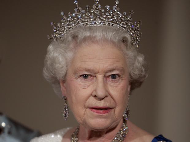 Фото №1 - Тиара Бланш: история самой старой короны Англии (и почему она не в сокровищнице Елизаветы II)