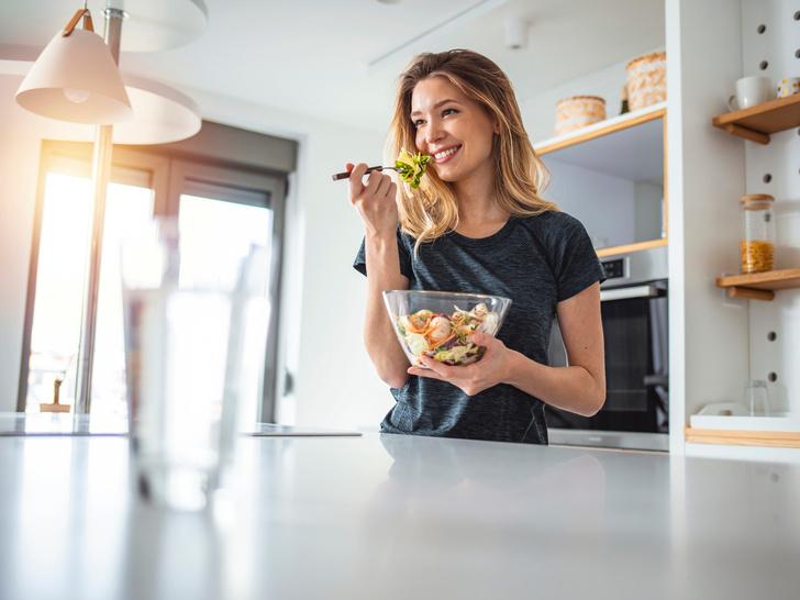 Фото №5 - 9 причин, почему вы никак не можете отказаться от перекусов (дело не только в еде)