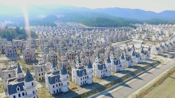 Фото №11 - 10 постапокалиптических фотографий реальных городских пейзажей