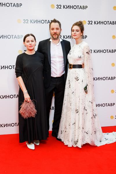 Фото №4 - Провал кроется в деталях: стилист критикует аксессуары Шпицы, Курковой и других звезд «Кинотавра»