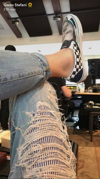Гвен Стефани призналась в любви при помощи обуви
