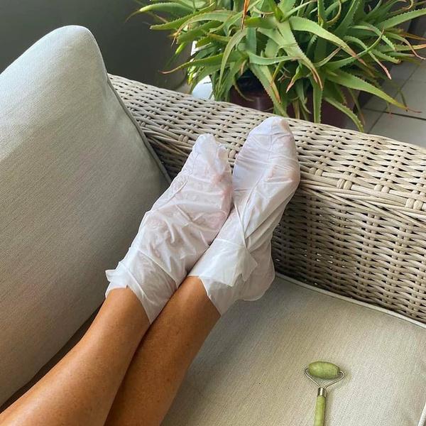 Фото №2 - Готовимся к лету: как выбрать и правильно использовать пилинг для ног
