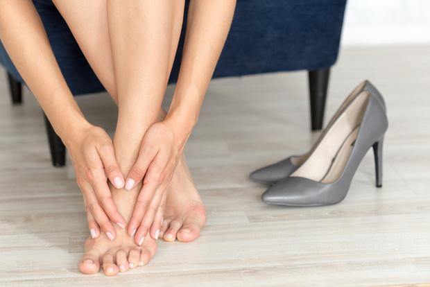Фото №1 - Мозоли, натоптыши, грибок: как избавиться от проблем со стопами