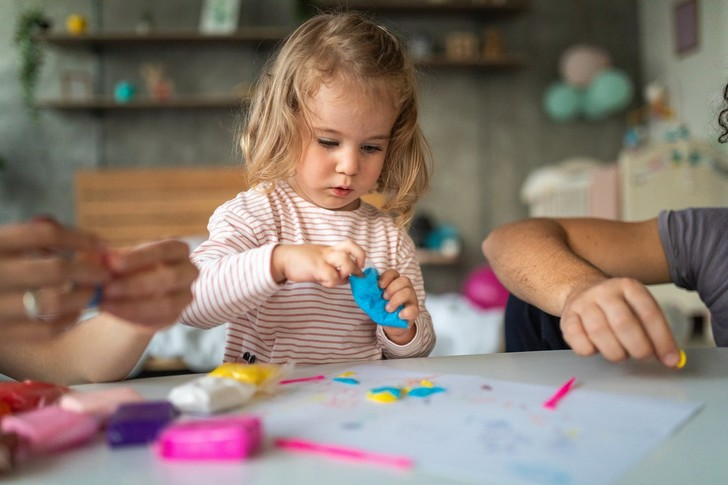творческий уголок в детской комнате как сделать