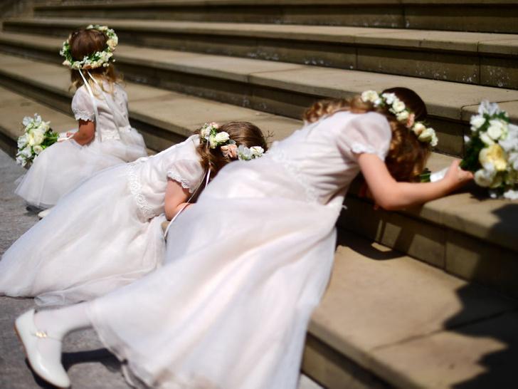 Фото №5 - Самые смешные случайные фотографии, сделанные на королевских свадьбах
