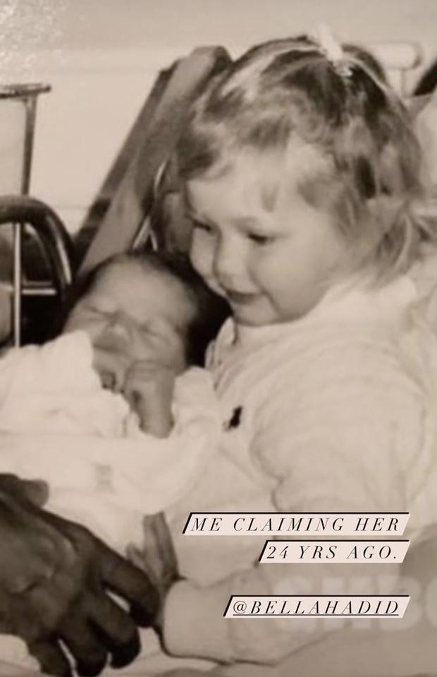Фото №1 - 40 доказательств любви: редкие фото, которыми поздравили Беллу Хадид ее мама и сестра