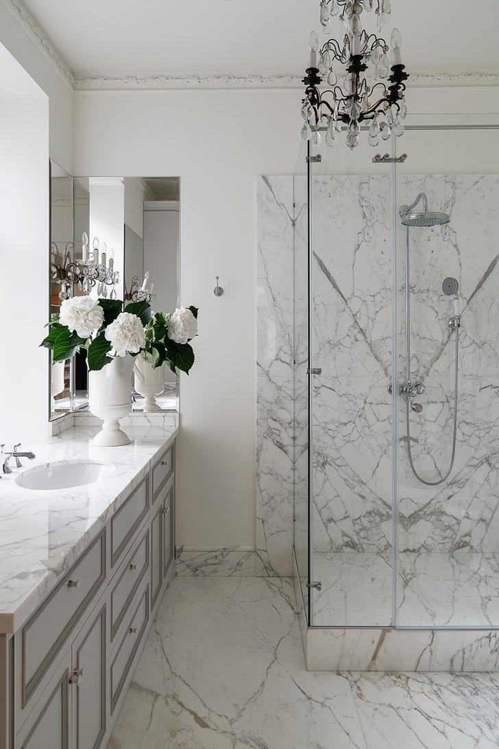 Фото №3 - Как обновить ванную комнату без ремонта: 5 идей