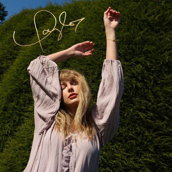 Фото №1 - Тейлор Свифт представила новые обложки альбома «Evermore»
