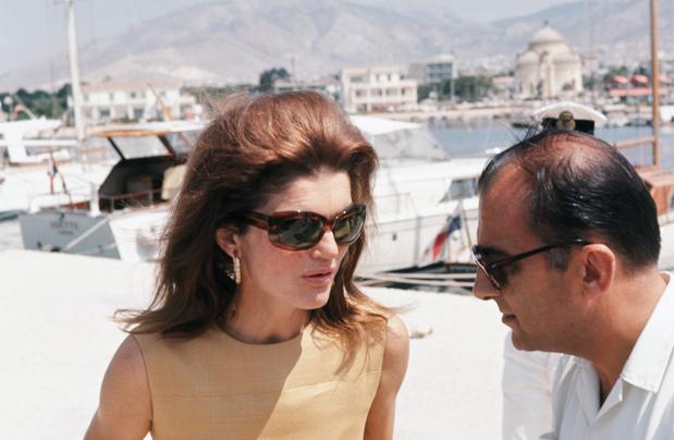 Фото №2 - Любимые солнцезащитные очки Жаклин Кеннеди
